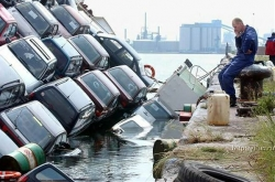 Funny photos - Ferry is sinking