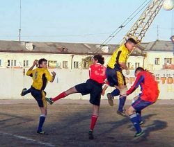Sportsmen photo - Playing soccer