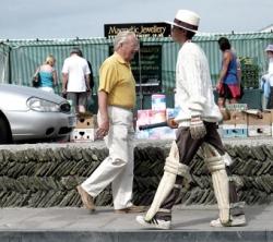 Sportsmen photo - Cricket on the street