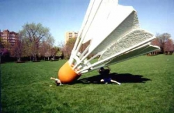 Funny photos - A huge shuttlecock