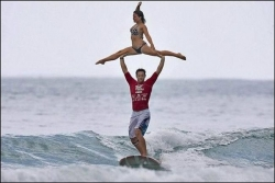 Funny photos - Water skier love