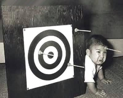 Funny photos - Baby target