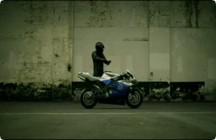 Funny man videos - Yamaha R1