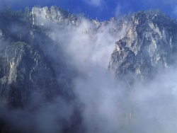 Landscape Wallpaper - Foggy mountain
