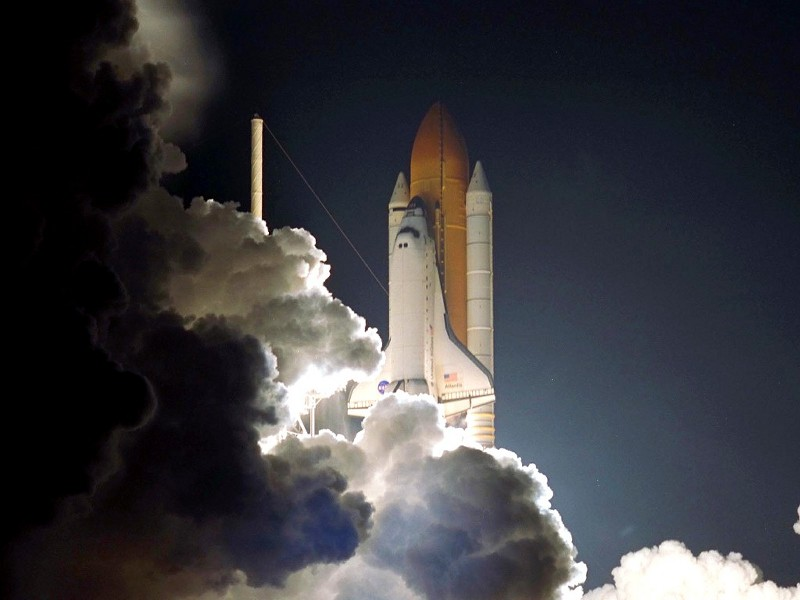 STS104 Atlantis Launch
