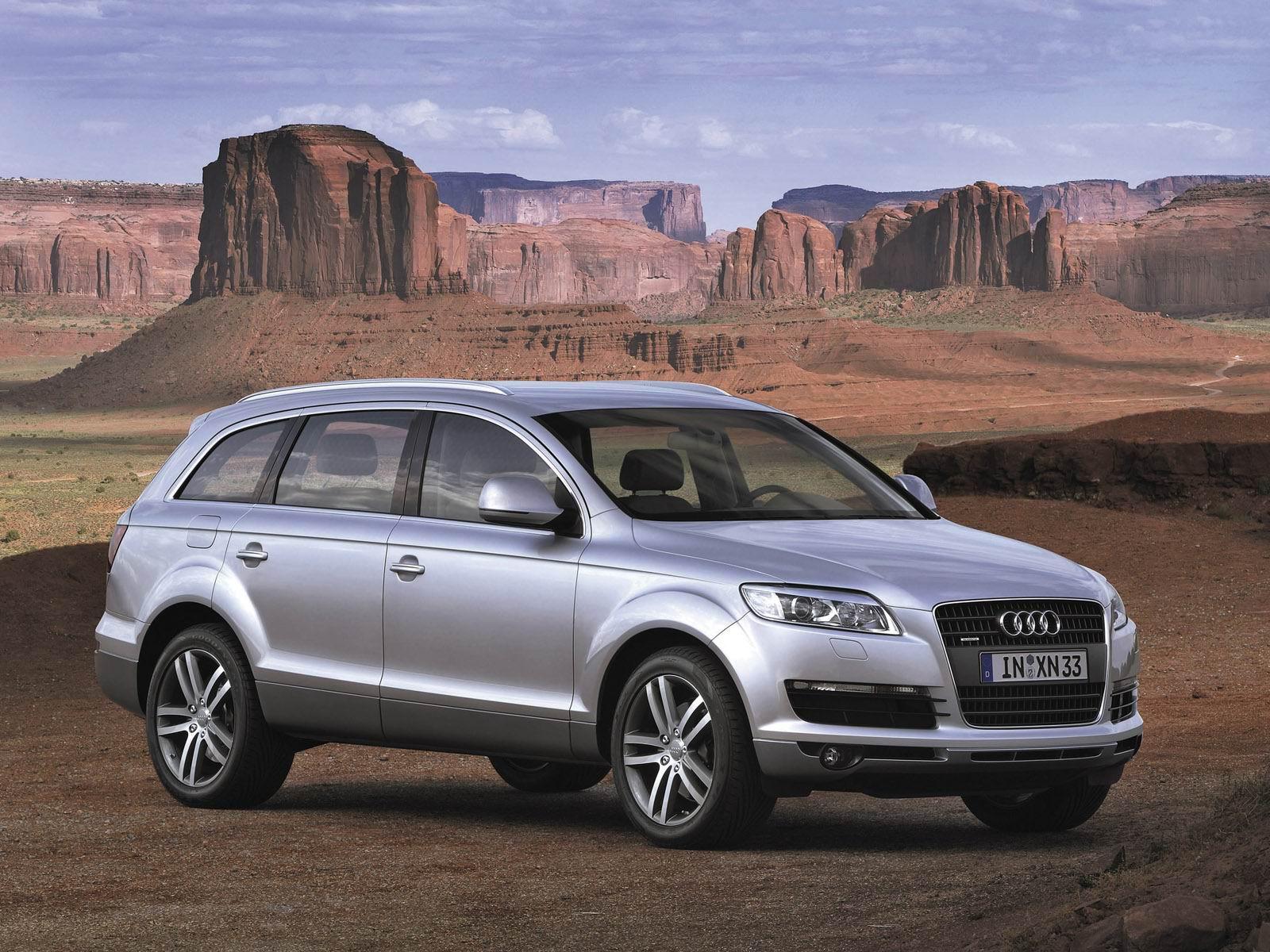 Audi on desert