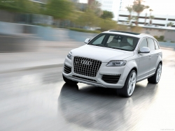 Car Wallpaper - Audi Q7 version