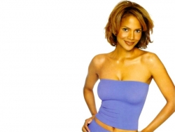 Model Wallpaper - Halle Berry 2