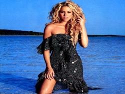 Model Wallpaper - Shakira