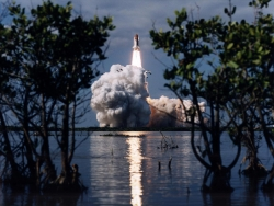 Space Wallpaper - Shuttle launch