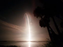 Space Wallpaper - STS104 Launch Arc
