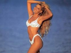 Bikini Wallpaper - Dot bikini