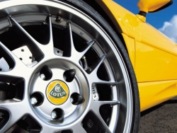 Car Wallpaper - Lotus wheel