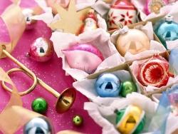 Christmas Wallpaper - Coloured balls