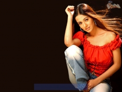 Model Wallpaper - Amrita Rao