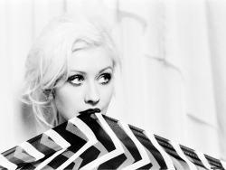 Celebrity Wallpaper - Christina Aguilera 5