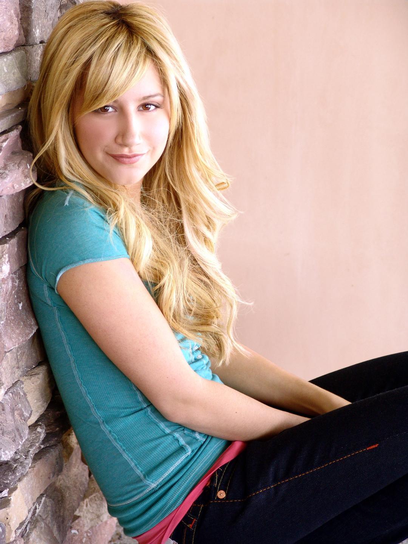 Model - AshleyTisdale 4