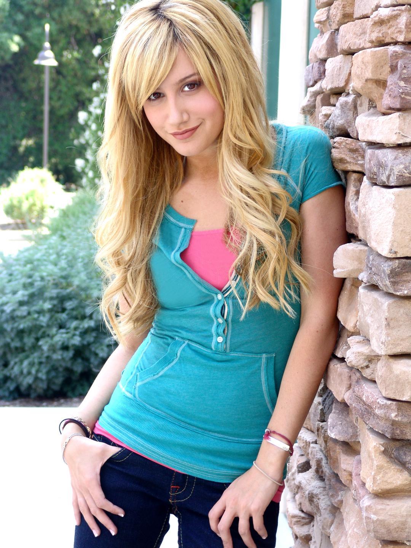 Model - AshleyTisdale 6