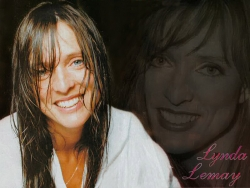 Celebrity Wallpaper - Lynda Lemay