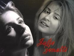 Celebrity Wallpaper - Julie Zenatti