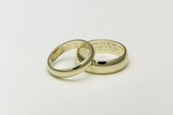 Valentine/Love Wallpaper - Wedding rings