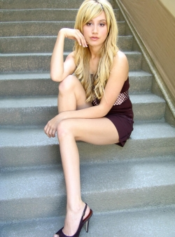 Model Wallpaper - Model - AshleyTisdale