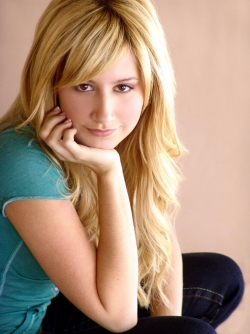 Model Wallpaper - Model - AshleyTisdale 5